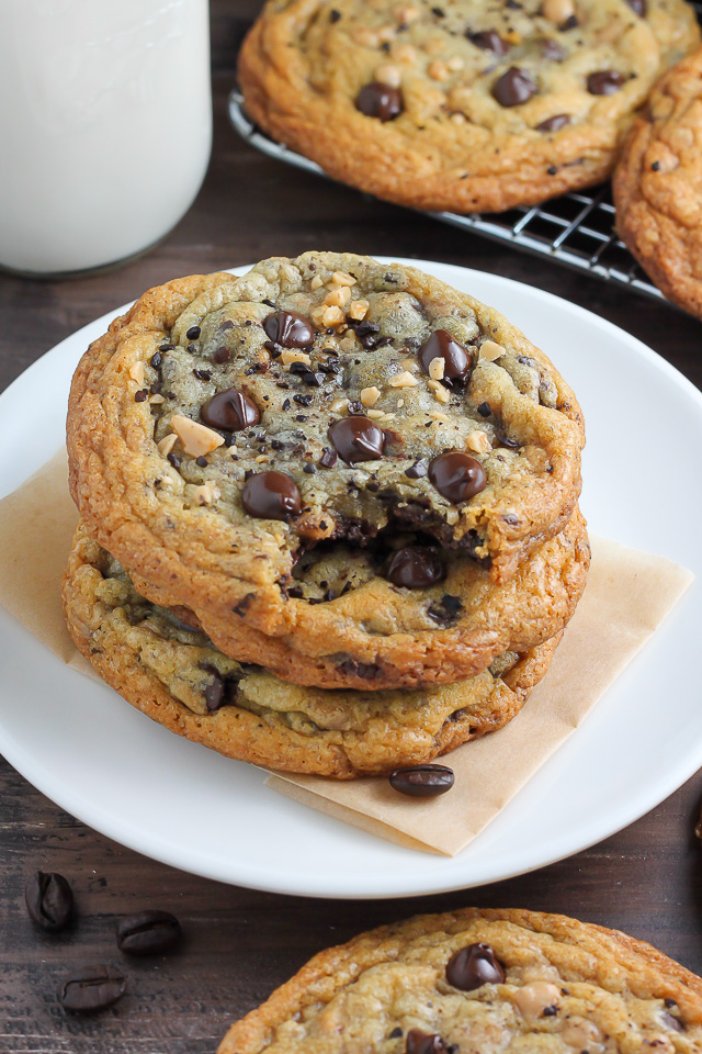 top chocolate cookie recipes, desserts, chocolate recipes, cookie recipes, chocolate chip cookies, chocolate cookies, chocolate, favorite chocolate cookie recipes, top chocolate cookie recipes, best chocolate cookie recipes, chocolate cookies round up, chocolate cookie overload, pumpernickel pixie