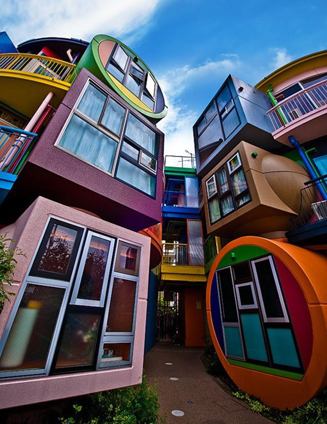 color, colour, colourful buildings, colorful buildings, multicolored buildings, artistic buildings, unusual buildings, creative buildings, color and design, graffiti art on buildings, travel wishlist, colorful travel, colorful destinations, colorful places, color happy, colorful buildings i want to visit, jyo, pumpernickel pixie