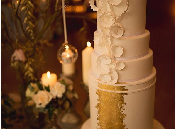 metallic gold cake 2015 wedding cake trends
