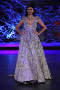india couture week 2015, indian fashion, indian wear, bridal wear, indian brides, fashion, couture, india, traditional, tradition, glamour, drama, opulence, luxury, fashion week, couture week, pumpernickel pixie
