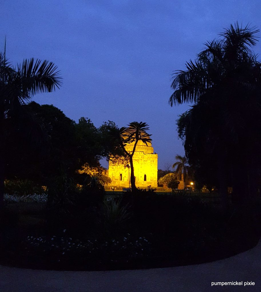 daybreak, morning, daylight, early morning, walk, garden, nature, sunrise, dawn, monuments, india, photo a week, photography, pumpernickel pixie