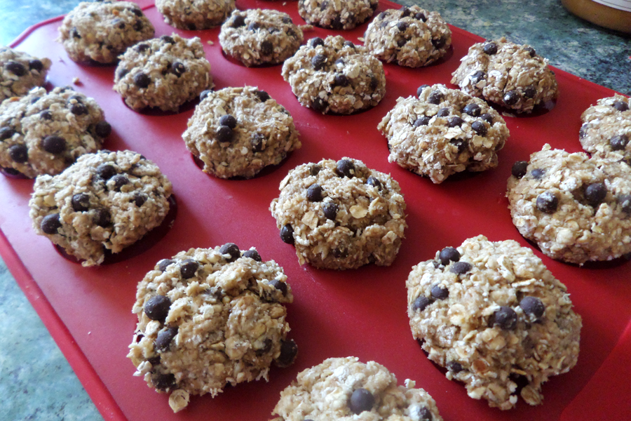 clean eating, healthy, clean eating desserts, clean eating cookies, healthy desserts, healthy cookies, oats cookie recipe, sugar free cookie recipe, berry cookie recipe, healthy chocolate chip cookie recipe, healthiest cookie recipe, pumpernickel pixie