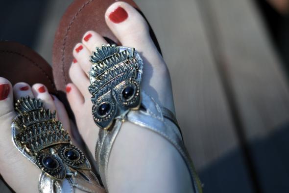 diy, sandals, gold sandals, owl sandals, funky sandals, gold owl sandals, owl diy, sandal diy, shoes, footwear, metallic sandals, pumpernickel pixie